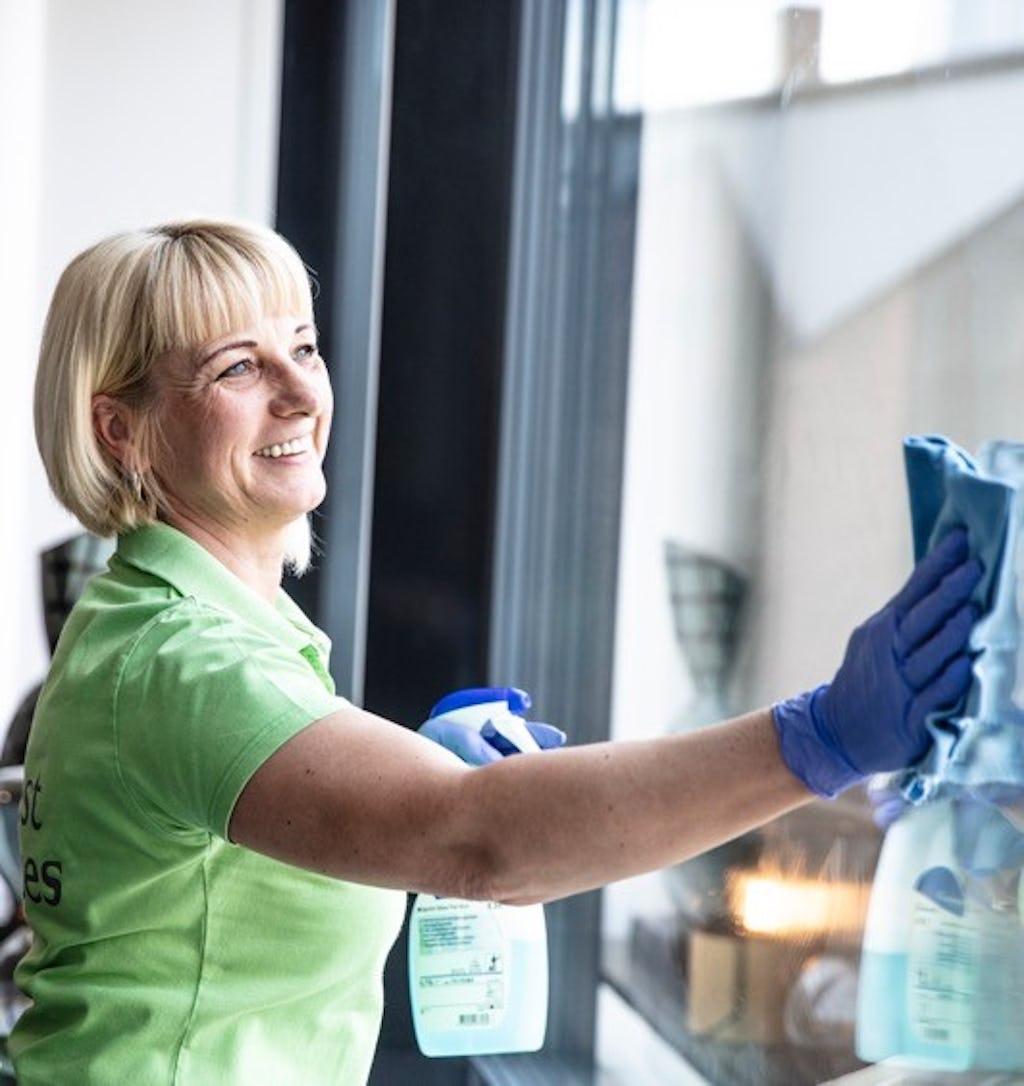 Siivoojia ja ateriapalvelutyöntekijöitä Ouluun